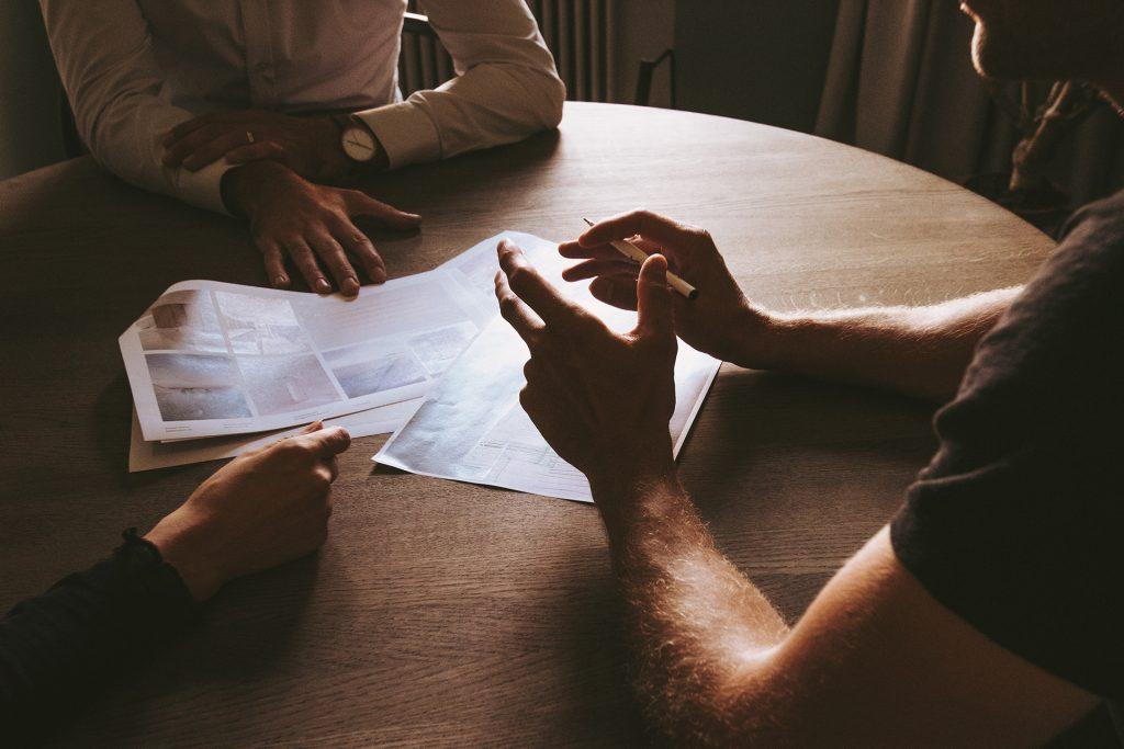 ניהול פרויקט מתחיל בפגישת התנעה